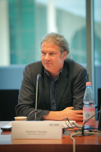 Andrej Hunko auf der Studierendenkonferenz